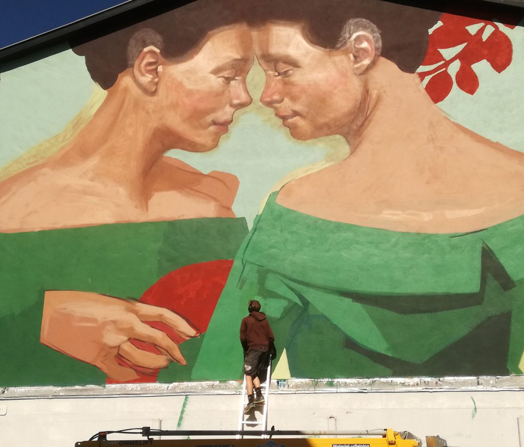 Andreas Welin arbejder på galvmaleri i Haderslev 2020